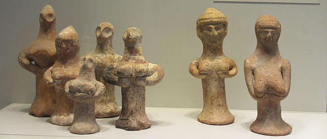 Judean female clay pillar figurines
